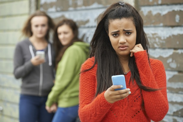teen phone bully