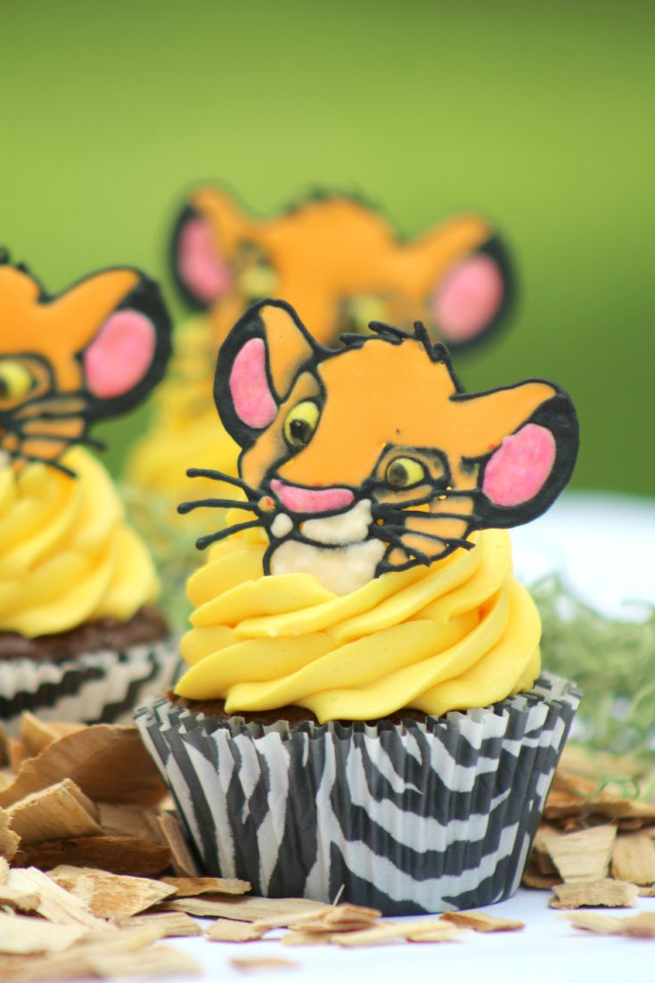 Looking for adorable cupcakes for a Lion King birthday party? Check out our easy to make Lion King Simba Cupcakes here!