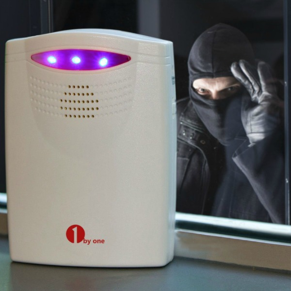 Looking for the perfect way to never miss someone at the door or packages arriving? Se what we think of the 1ByOne Wireless Home Security Driveway Alarm here!
