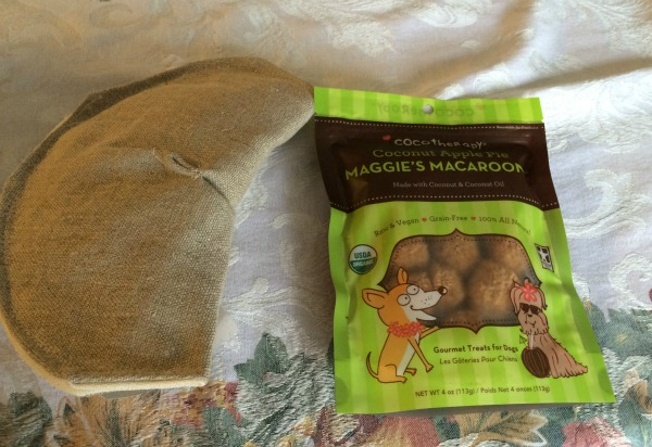 Purrfect Play Large Fortune Flyer & Maggie's Macaroons Gift Set 1