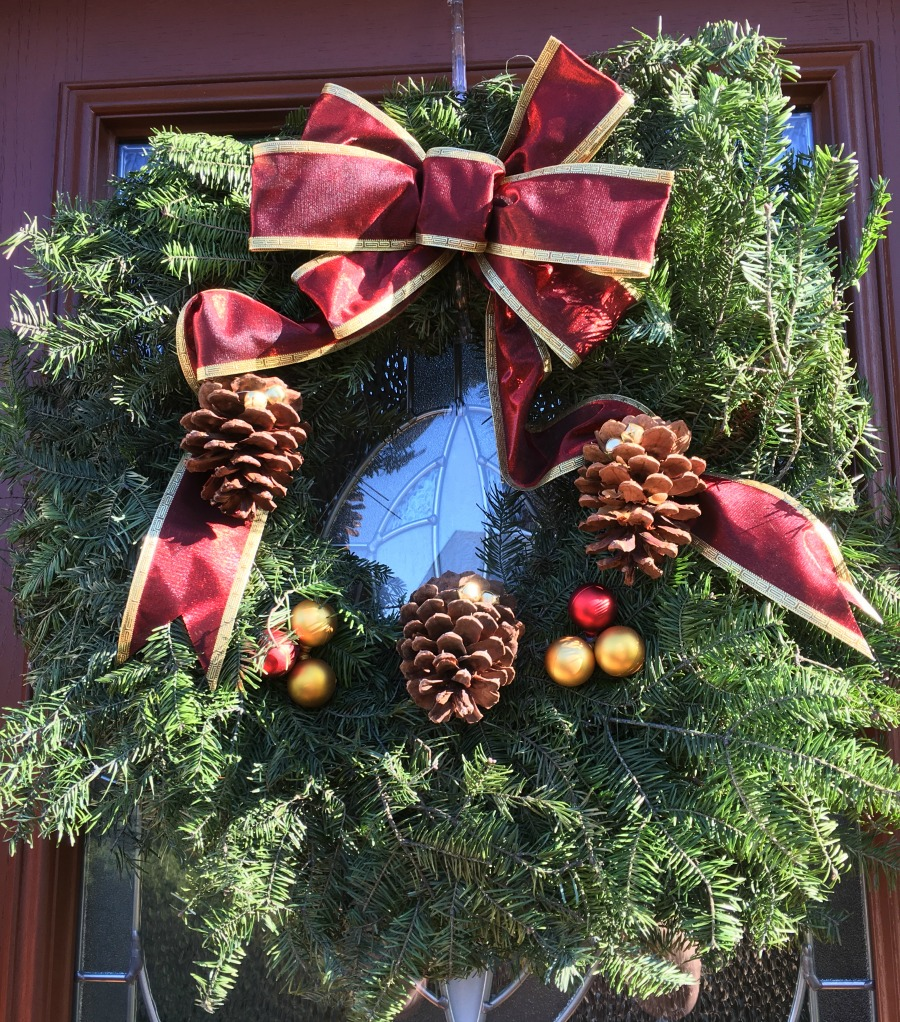 Want to make decorating your home for the holidays more elegant & beautiful this year? See why we love Mickman Brother's Wreaths & Centerpieces here!