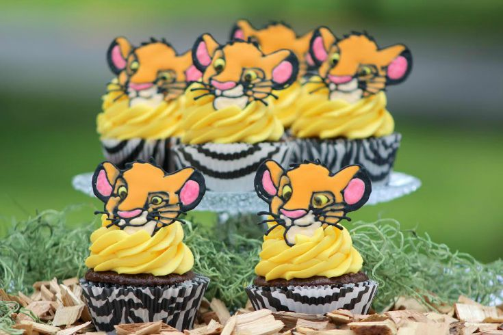 Pumba Cake: Lion King Simba Cupcakes